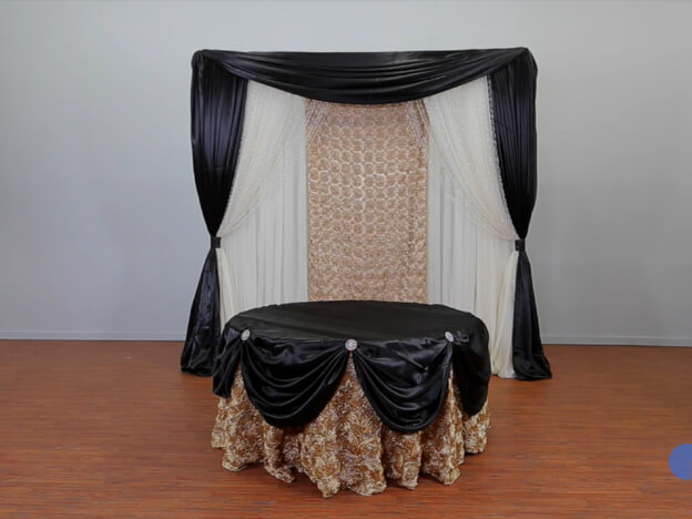 2. Video: Round Tablecloth over Tablecloth