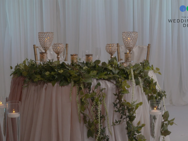 1. Romantic Bride & Groom Table